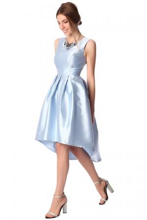 Vestido a media pierna de raso con bajo asimétrico azul