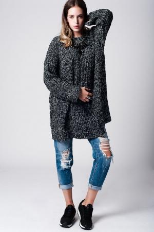 Jersey grueso largo con corte lateral en gris oscuro