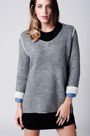 Jersey de punto suave gris claro con ribetes en contraste